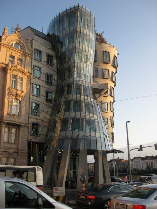 Dancing House - Frank Gehry - Praga_20 - WikiArquitectura