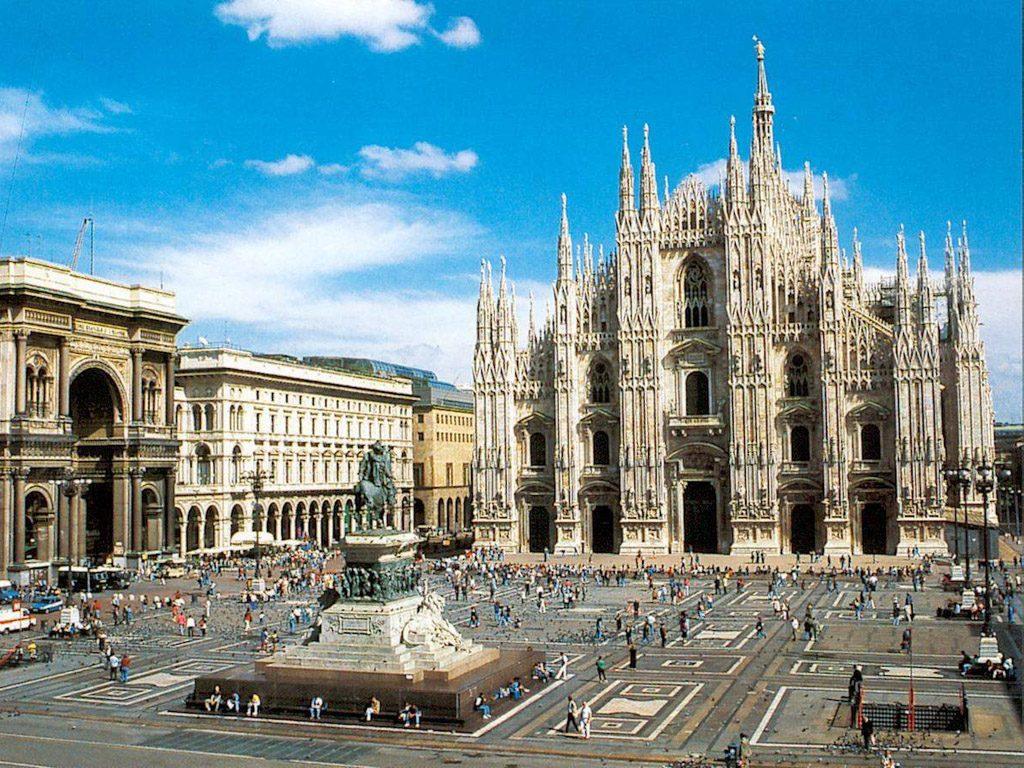 Amato Duomo di Milano - Data, Photos & Plans - WikiArquitectura ER03