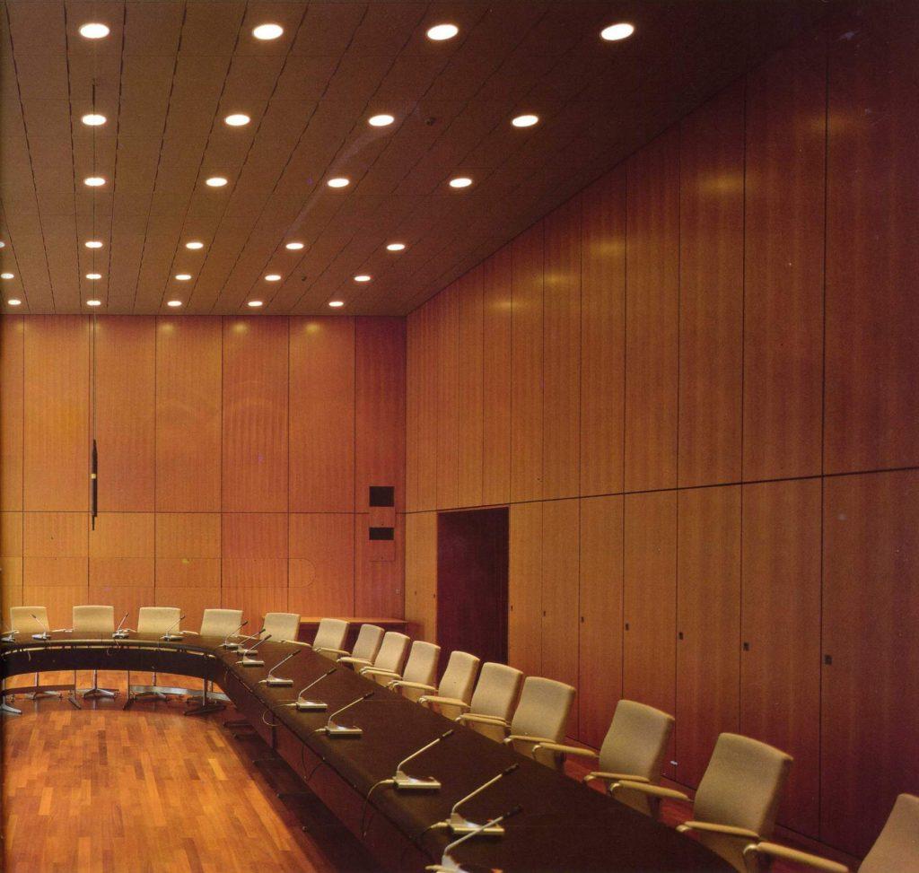 Sala de reuniones 2 banco nacional de dinamarca for Sala de reuniones