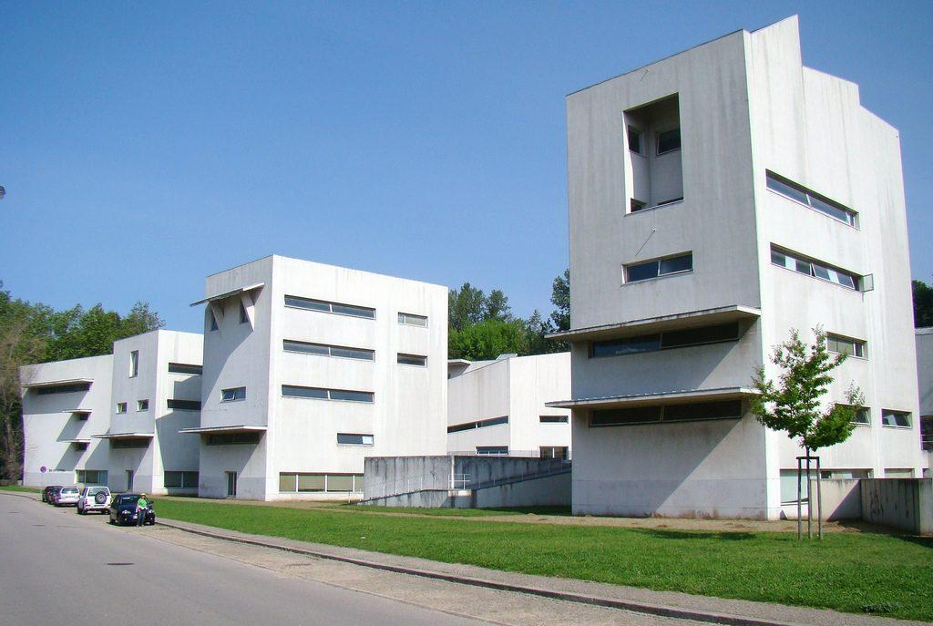 Porto school of architecture data photos plans for Facultad arquitectura